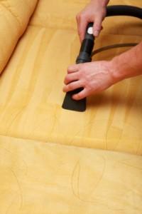 Globinsko čiščenje sedežnih garnitur